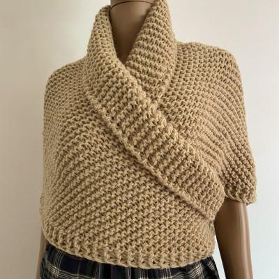 Outlander Claire shawl Season 6 beige knit shoulder wrap alpaca celtic sontag shawl wool triangle shawl inspired Outlander Carolina shawl