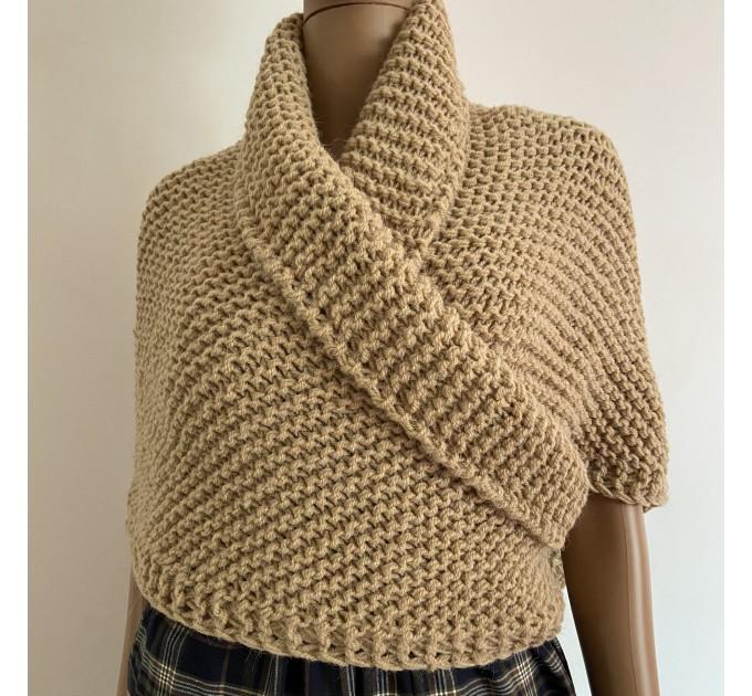 Outlander Claire shawl Season 6 beige knit shoulder wrap alpaca celtic sontag shawl wool triangle shawl inspired Outlander Carolina shawl  Shawl Alpaca