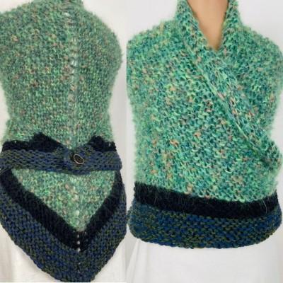 Outlander Claire rent shawl green triangle alpaca wool shawl celtic shawl knit shoulder wrap sontag winter shawl inspired Carolina Shawl