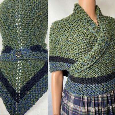 Outlander inspired Сlaire Shawl knit shoulder wrap celtic shawl winter triangle alpaca shawl green wool sontag Outlander Carolina shawl